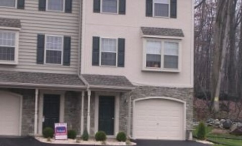 Houses Near E-town 542 Indian Rock Cir for Elizabethtown College Students in Elizabethtown, PA