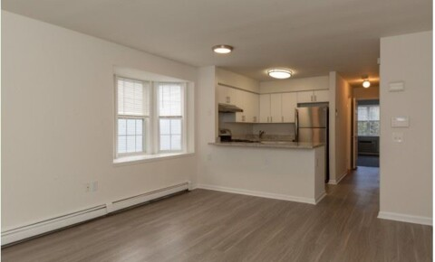 Apartments Near NYMC Beautiful 2 Bed, 1.5 Bath Apartment in Garden Complex - Pets Welcome - Parking - Elmsford for New York Medical College Students in Valhalla, NY