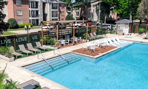 Apartments Near University of Alabama Vie at University Downs for University of Alabama Students in Tuscaloosa, AL