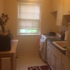 Beautiful 1 Bedroom Apartment- Walk to class! Free AC!