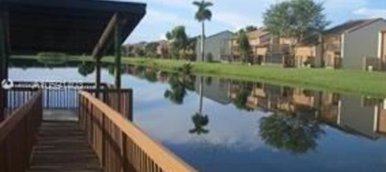 Pine Island Townhomes (Reflections)