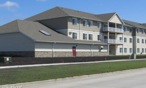 Apartments Near University of North Dakota RPS Legacy - Desoto Estates 2 for University of North Dakota Students in Grand Forks, ND