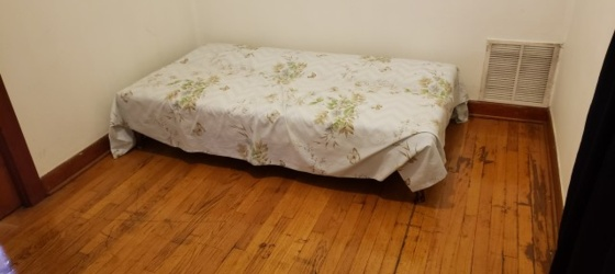 Small Bedroom for Rent In Bridgeport