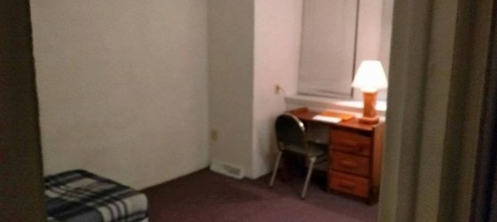 Summer Sublet (CLOSE TO CAMPUS)