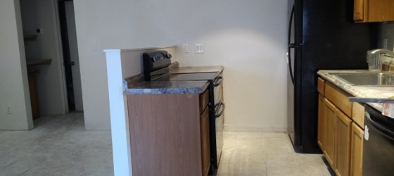 Very nice 2 bed/1 bath apartment steps to ASU Tempe campus!