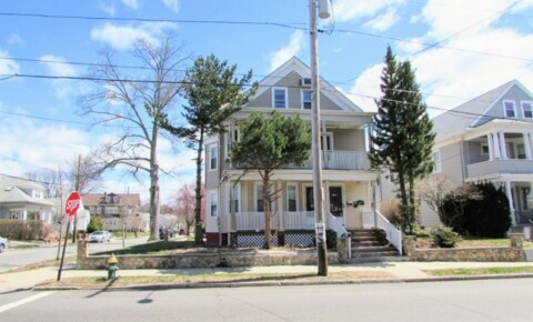 Apartments Near Bryant 513 Academy Ave for Bryant University Students in Smithfield, RI